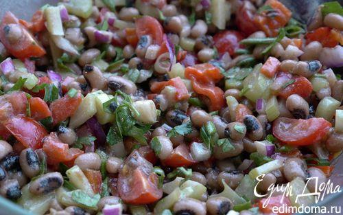 Рецепт Салат из фасоли, сладкого перца и помидоров черри