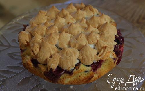Рецепт Ванильный корж с ягодами и безе