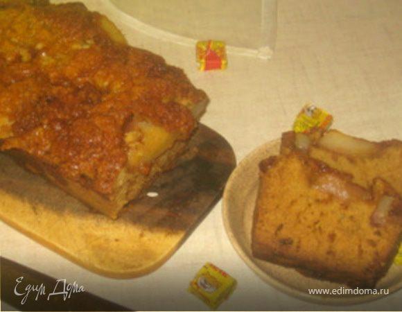 Кекс с грушами, тушенными в карамели