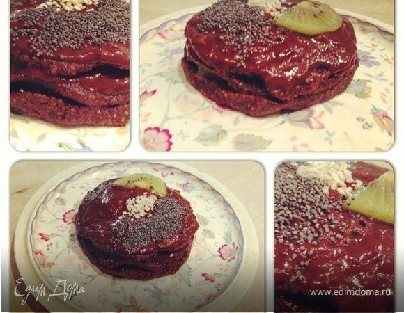 Шоколадное пирожное с киви (сырое)