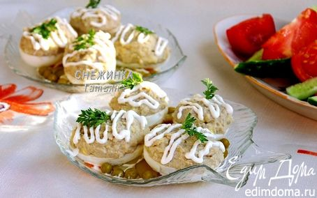 Рецепт Яйца, фаршированные рубленой сельдью (Яйкі, фаршаваныя селядцом)