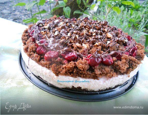 Шоколадный кухэ с нежнейшим вишневым кремовым суфле