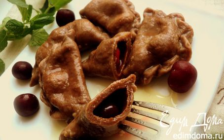 Рецепт Шоколадные вареники с вишней