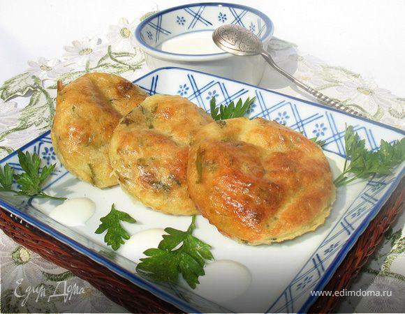 Соленые сырники с зеленью, запеченные в духовке