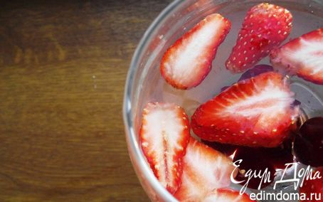 Рецепт Белая Сангрия - сезонный коктейль
