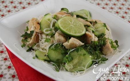 Рецепт Салат из рисовой лапши с курицей и огурцами в азиатском стиле