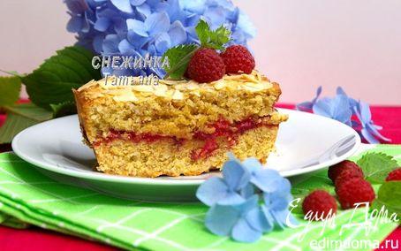 Рецепт Ароматный миндальный кекс с малиной