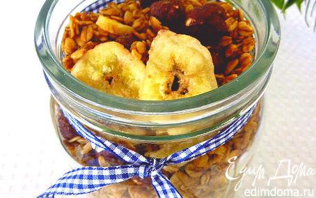Рецепт Гранола с кофе, лесными орехами и банановыми чипсами