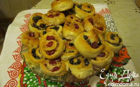 Рецепт Булочки с начинкой из ягод и орехов
