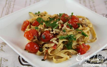 Рецепт Паста с сардинами, помидорами черри и кедровыми орешками