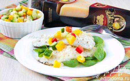 Рецепт Жареное филе дорадо с сыром Джюгас на подушке из шпината с сальсой