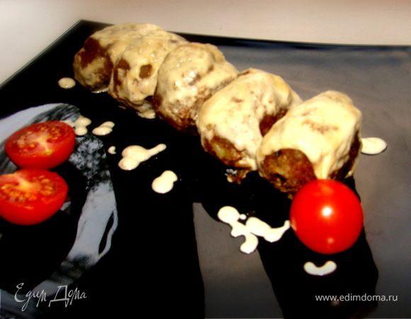 Мясные зразы с лесными грибами под сливочным соусом с сыром Джюгас