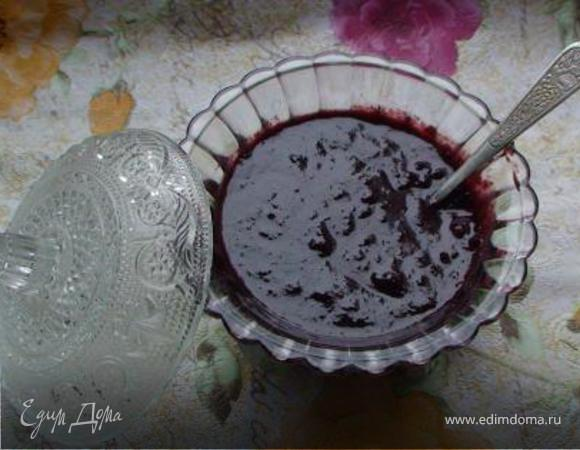Шоколадное сливовое варенье с орехами