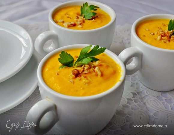 Морковно-сливочный суп-пюре с карри и ананасами