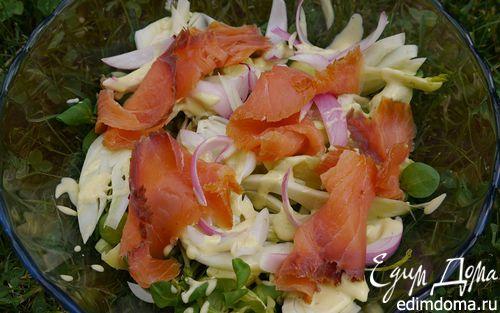 Рецепт Салат с картофелем, фенхелем и копченой семгой