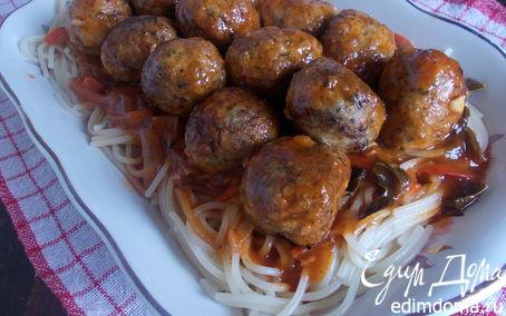 Рецепт Мясные шарики со шпинатом и томатно-базиликовым соусом