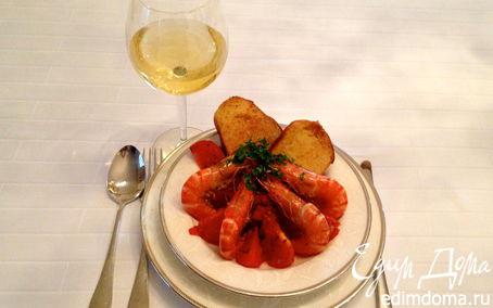 Рецепт Креветки в чесночно-томатном соусе с гренками