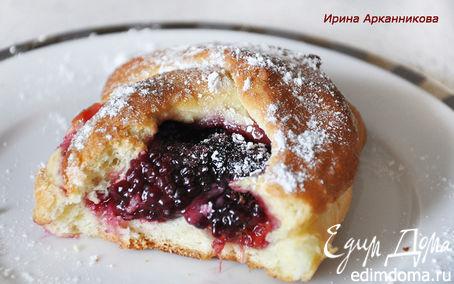 Рецепт Дрожжевые булочки с ежевикой