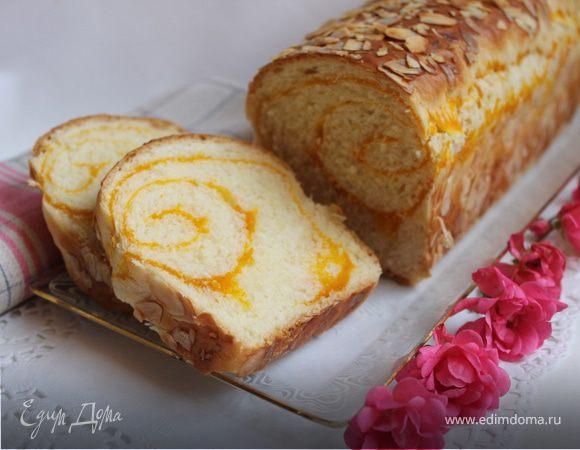 Сладкий хлеб с прослойкой.