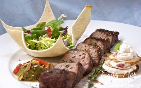 Рецепт Нежная говядина с муссом из кабачка и кремом из козьего сыра