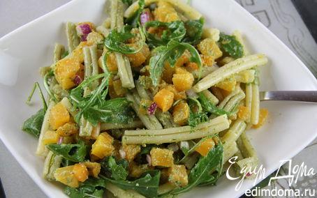 Рецепт Теплый салат из пасты с тыквой и песто из грецких орехов и шалфея