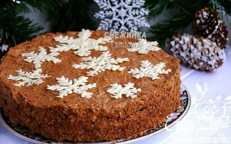 """Рецепт Наш новогодний торт """"Наполеон шоколадный с вишней"""""""