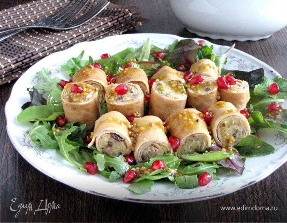 Салат с фаршированными блинчиками