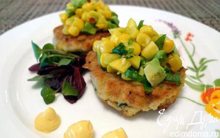 Рецепт Крабовые тортики с сальсой из авокадо, манго и сладкой кукурузы