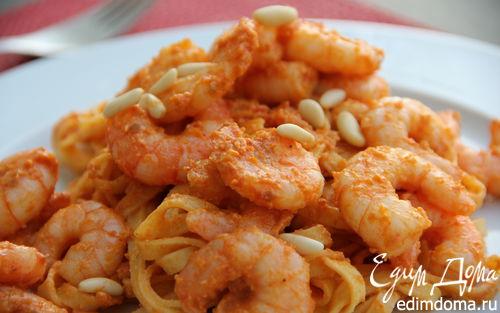 Рецепт Паста с креветками и песто из вяленых томатов и кедровых орешков