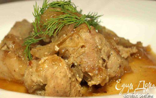 Рецепт Свинина, запеченная на луковой подушке
