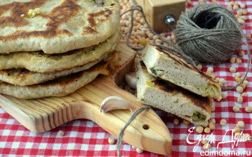 Рецепт Лепешки с горохово-чесночной начинкой