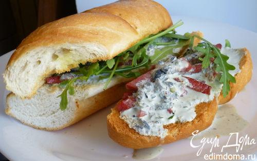 Рецепт Горячий бутерброд с колбасой и сметанным соусом