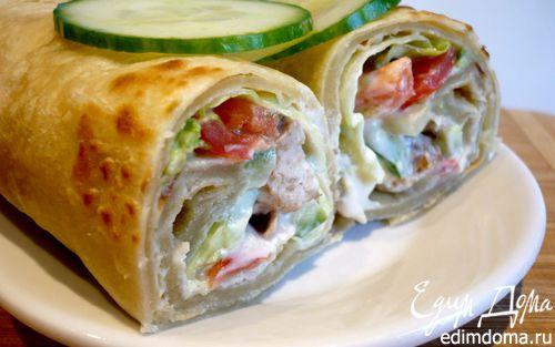 Рецепт Индийская лепешка с куриной колбаской и овощами