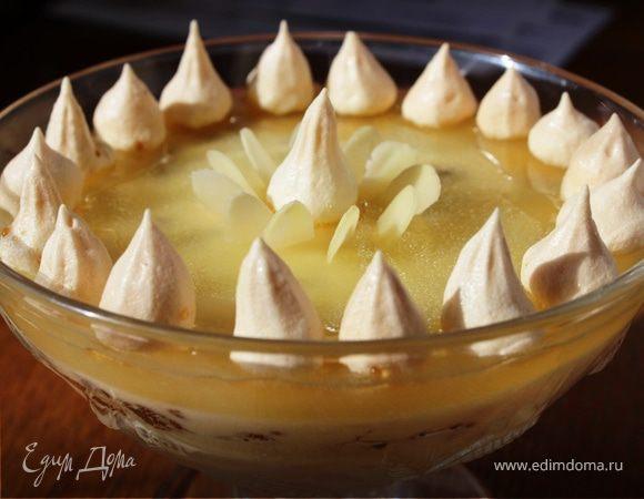 Шоколадно-ананасовый десерт с меренгами