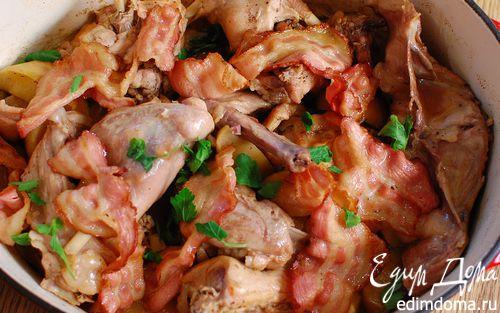 Рецепт Кролик с яблоками, тушенный в вине