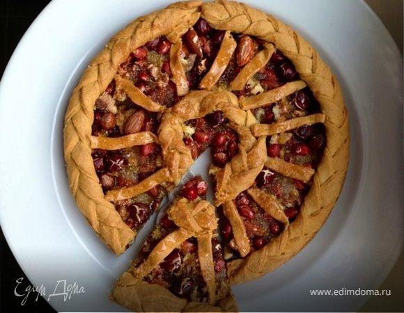 Пирог с цельными орехами под лимонной глазурью