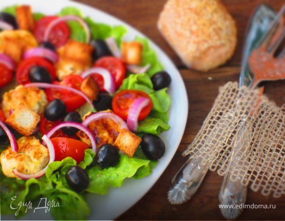 Овощной салат с куриными фрикадельками