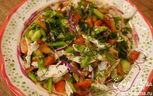 Рецепт Салат из сладкого перца с огурцом и куриной грудкой