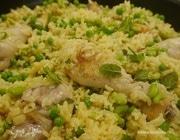 Весенняя паэлья с курицей и молодыми овощами