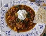 Суп с тыквой, сладким картофелем и чечевицей