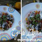 Салат с апельсином, грибами, помидором и маковым соусом