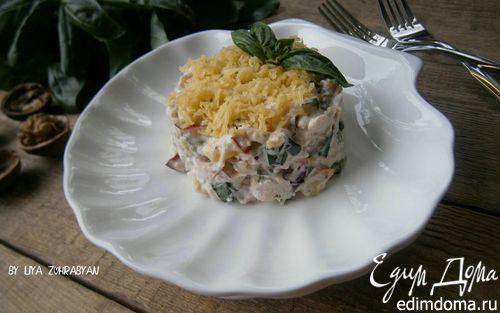 Рецепт Салат с курицей, нектарином и сырно-ореховой заправкой