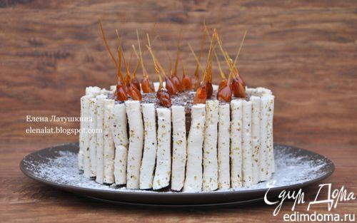 Рецепт Миндальный торт с шоколадным муссом, безе и карамелью