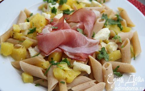 Рецепт Экзотический салат из пасты с ананасом, моцареллой и ветчиной