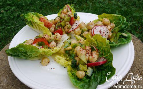 Рецепт Ароматные лодочки с салатом из нута и свежих овощей