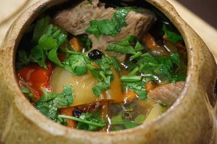 Рецепт – Телятина в горшочке с тмином и барбарисом