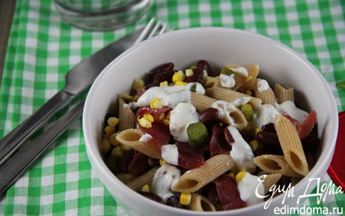 Рецепт Салат из пасты с фасолью и кукурузой