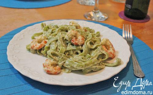 Рецепт Паста со сливочным соусом из голубого сыра и креветками