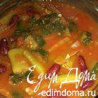 Фасоль со шпинатом в томатном соусе
