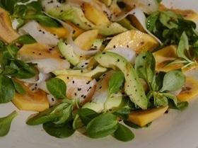 Салат из хурмы с авокадо и дайконом